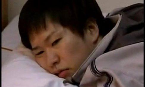ญี่ปุ่น xxx Movie ชายโสดอยากลอง ขอเย็ดหีสาวเมียพี่ชาย พี่สะใภ้ครับขอผมสักดอกเถอะ น้องโคตรเงี่ยนแย่แล้ว ช่วยเปิดซิงกระจู๋ผมที